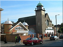 TQ1884 : Central Mosque, Wembley by Danny P Robinson
