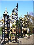 TQ2579 : Open Gates, Kensington Palace by Colin Smith