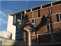 SE2934 : The Both Arms Statue by Steve Partridge