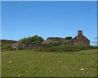 NC0206 : Ruined croft and Broch by C Page