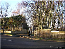 NT2273 : Entrance to the Roseburn Path at Ravelston Dykes by Sandy Gemmill