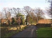 SE1421 : Shepherds Thorn Lane, Rastrick by Humphrey Bolton
