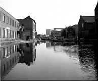 TQ3283 : Sturt's Lock No 6, Regent's Canal, London by Dr Neil Clifton