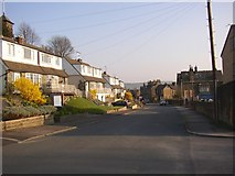 SE1039 : Hall Bank Drive, Bingley by Humphrey Bolton