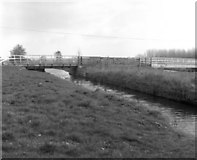 SU6168 : Ufton Bridge and site of Ufton Lock No 98, Kennet and Avon Navigation by Dr Neil Clifton