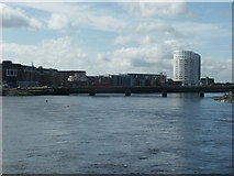 R5757 : River Shannon at Limerick by Raymond Okonski
