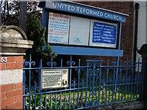 TQ1649 : Dorking (Surrey): United Reformed Church by Francois Thomas