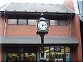 SK3871 : Clock by Tony Bacon