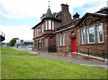 NS3980 : Old Post office by Eddie Mackinnon