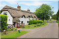 SU5924 : Cottages at College Down Farm, nr Kilmeston by Peter Facey