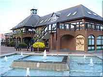 SU4208 : Fountain at Hythe Marina by Colin Smith