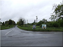 O0972 : Crossroads on the R108 south of Drogheda by Jonathan Billinger