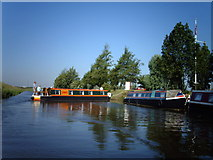 TL4097 : Narrowboat returning to Fox's Marina by Rose and Trev Clough