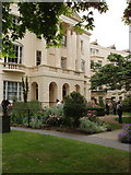 TQ2882 : Medicinal garden, Royal College of Physicians by David Hawgood