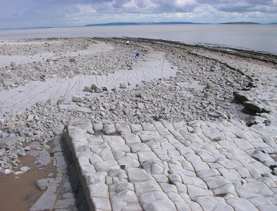ST1868 : Western end of the Severn Barrage? by Alan Bowring