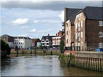 TF3243 : River Witham, Boston by Dave Hitchborne