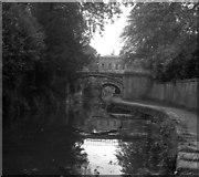 ST7565 : Sydney Gardens No 1 footbridge and No 1 Tunnel, Kennet and Avon Canal, Bath by Dr Neil Clifton