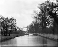 SJ5847 : Wrenbury Frith Lift Bridge, Llangollen Canal by Dr Neil Clifton