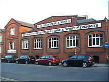 SU7682 : Brakspear's, New Street by Colin Smith