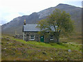 NG9447 : Coire Fionnaraich bothy by Nigel Brown