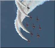 SZ1090 : The Red Arrows visit Bournemouth: formation close-up by Chris Downer