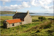 NR6977 : Deserted Farmhouse on Island of Danna by Colin Chambers