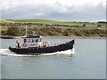 NJ9505 : Pilot Boat 2 enters Aberdeen Harbour by David Hawgood
