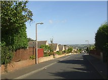 SE1421 : Long Fallas Crescent, off Woodhouse Lane, Rastrick by Humphrey Bolton