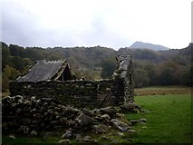 SH7357 : Ruined barn.  Peak of Moel Siabod in background. by Tom Pennington