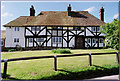 TQ5856 : Oldbury Hall, Oldbury Lane, Ightham by Jane Haselden
