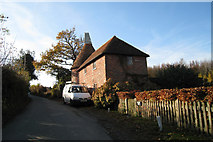 TQ6226 : Fair Oak Farm Oast, Witherenden Road, Mayfield, East Sussex by Oast House Archive