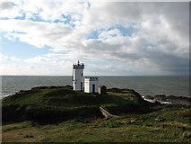 NT4999 : Elie Lighthouse by Gordon Hatton