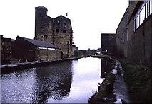 SE1115 : Industrial landscape - Huddersfield Narrow Canal, Milnsbridge by Chris Allen