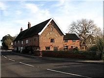 TM4599 : The Bell Inn by Evelyn Simak