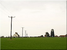 TA0609 : Converted Windmill at Mill Farm by Andy Beecroft