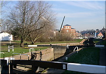 SO8453 : Diglis locks by Andrew Darge