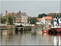 TF3243 : Swing Bridge, Boston by Dave Hitchborne