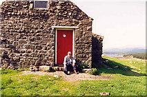 NX4677 : White Laggan Bothy by Billy McCrorie