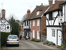 TR0653 : Taylor's Hill, Chilham by Jonathan Billinger