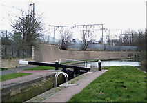 SO9199 : Wolverhampton Locks No 2 by Roger  Kidd