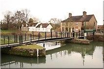 TF1409 : Deeping St.James High Locks by Richard Croft