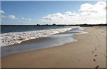 NZ3668 : North Herd Sand, South Shields by wfmillar