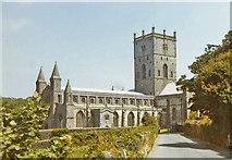 SM7525 : St David's Cathedral, Pembrokeshire by Christine Matthews