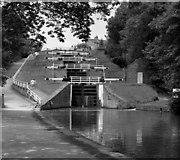 SE1039 : Five Rise Locks, Bingley by Dr Neil Clifton