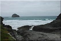 SX0486 : Trebarwith Strand & Gull Rock by Row17