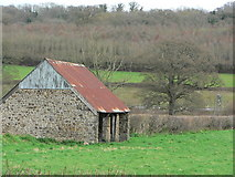 SX8578 : Typical Devonshire barn by paul dickson