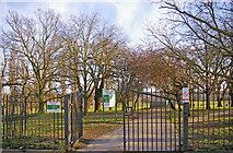 TQ3095 : Entrance to Oakwood Park, Prince George Avenue, London N14 by Christine Matthews