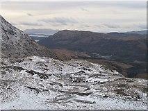 NN0747 : West ridge of An Grianan by Richard Webb