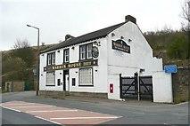 SE1115 : The Warren House, Manchester Road A62, Milnsbridge, Linthwaite by Humphrey Bolton