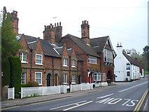 SU9948 : Portsmouth Road by Colin Smith